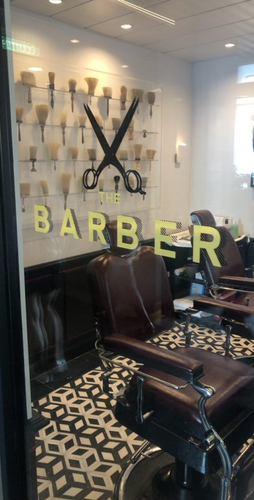 En el Celebrity Edge, ¡incluso hay un barbero!